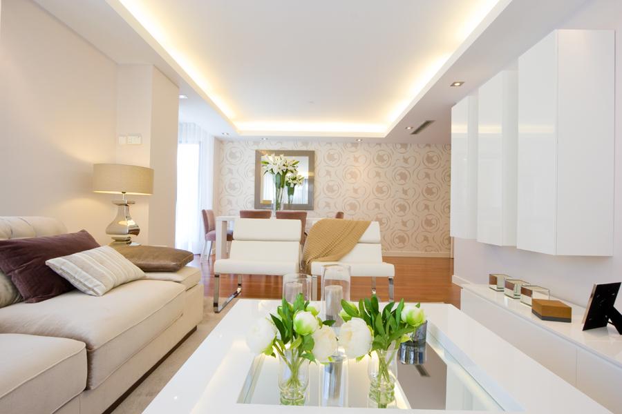 Viviendas con proyecto de interiorismo notas de prensa for Salones de pisos