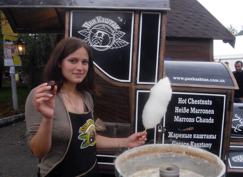 Posada inaugura una cadena de franquicias de castaña asada en Ucrania y Rusia