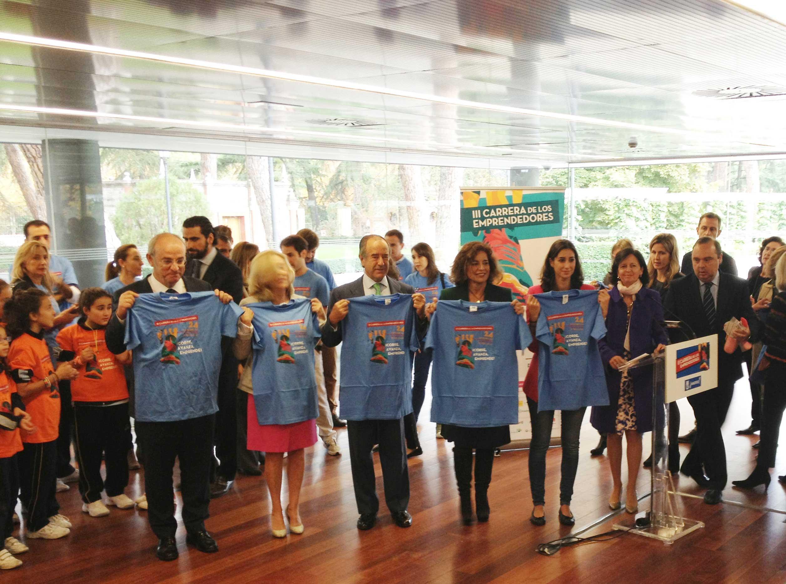 La Alcaldesa de Madrid, Ana Botella, presentó la III Carrera de los Emprendedores, que reunirá a miles de corredores