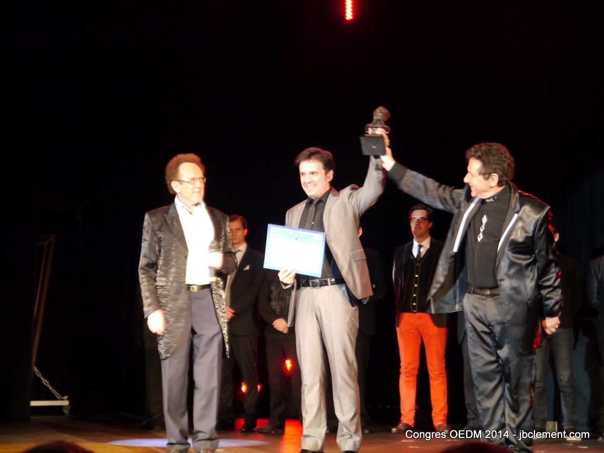 El mentalista Javier Luxor premiado con el Nostradamus de Bronce al Mejor Mentalista Europeo
