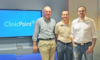 De izquierda a derecha: Dr. Guillermo de Barnola, Marc Montserrat y Sharif Jano.