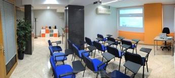 Sala de formación Ancora Audiovisual - cortinas Kaaten