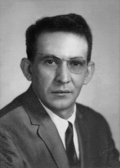 Astrofísico Héctor R. Rojas en la época en que trabajó para la