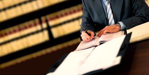 Los traductores jurados renuevan su sello
