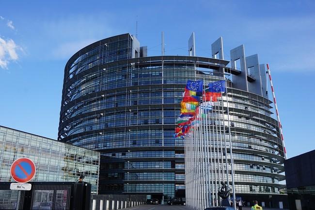 Europa pretende reducir los excesos de los bancos