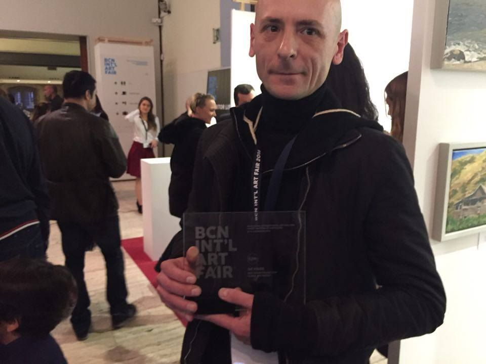 El pintor ucraniano Ievgen Petrov, ganador de los premios Global Art Awards