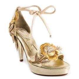 Beneficios de comprar zapatos de novia a medida