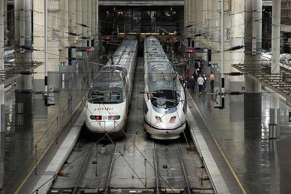 FotografiaMás plazas en trenes AVE Madrid Barcelona para acudir al
