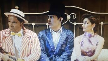 Buby, Dionisio y Paula. Un trío cómico para trs sombreros de copa.