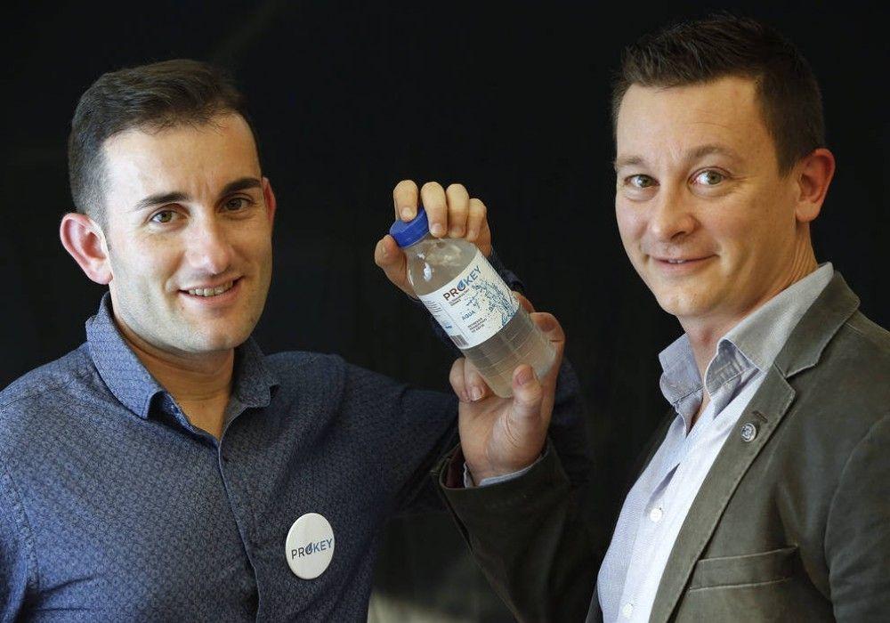 Dos emprendedores de Tarragona inventan un refresco ''vivo''