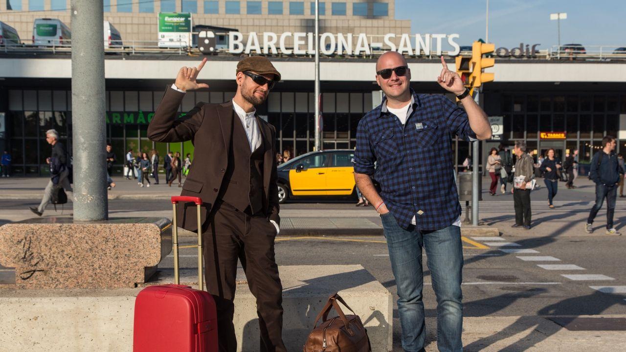 Fotografia Joan Boluda con Victor Correal saliendo de Barcelona