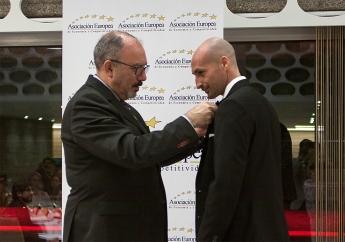 Imposición Medalla AEDEEC a Seogea