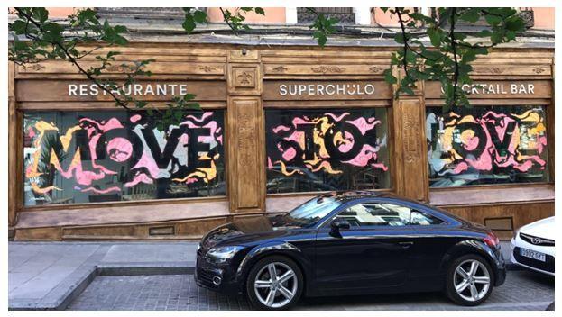 Urban Decay, de L?Oreal, se une al live painting del Orgullo con Rosh333 y Spotahome