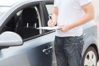 Consejos antes de alquilar un coche para las vacaciones