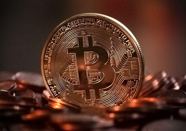 Las cuentas de ahorro son historia: los milenials quieren bitcoines