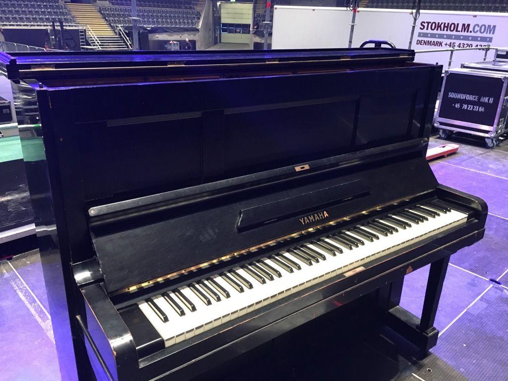 Fotografia Piano Hibaku en el escenario