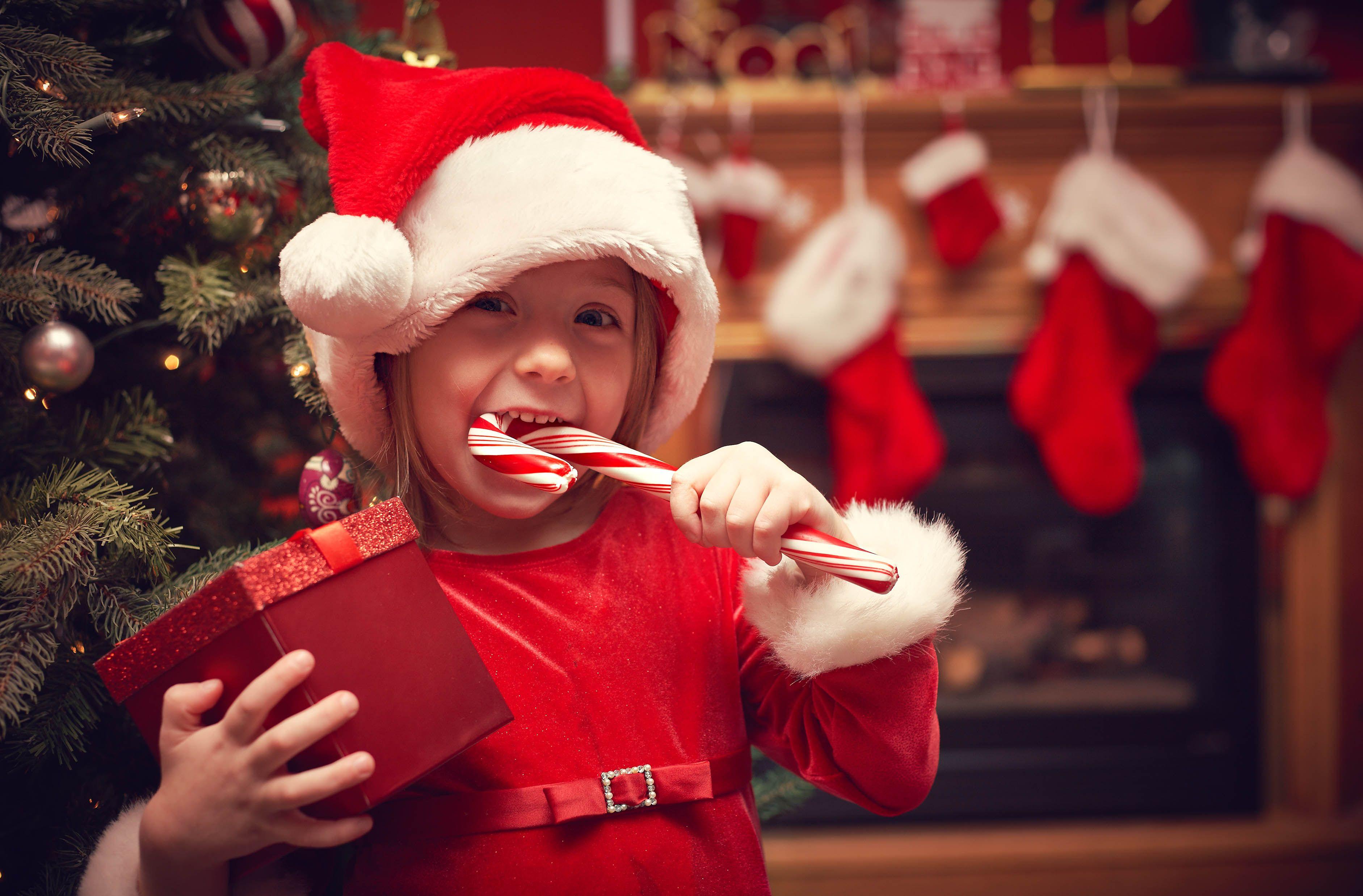 Consejos para mantener una boca sana en Navidad y los dulces que pueden amargar las fiestas