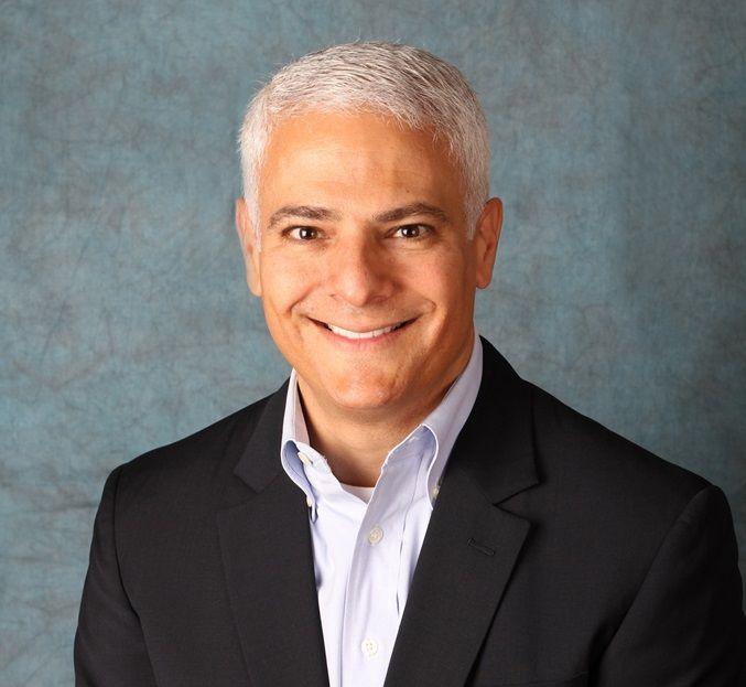 Information Builders incorpora a Frank J. Vella como director de Operaciones