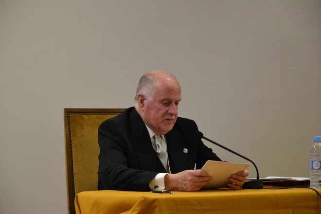 Fotografia Lectura discurso Federico Esteve