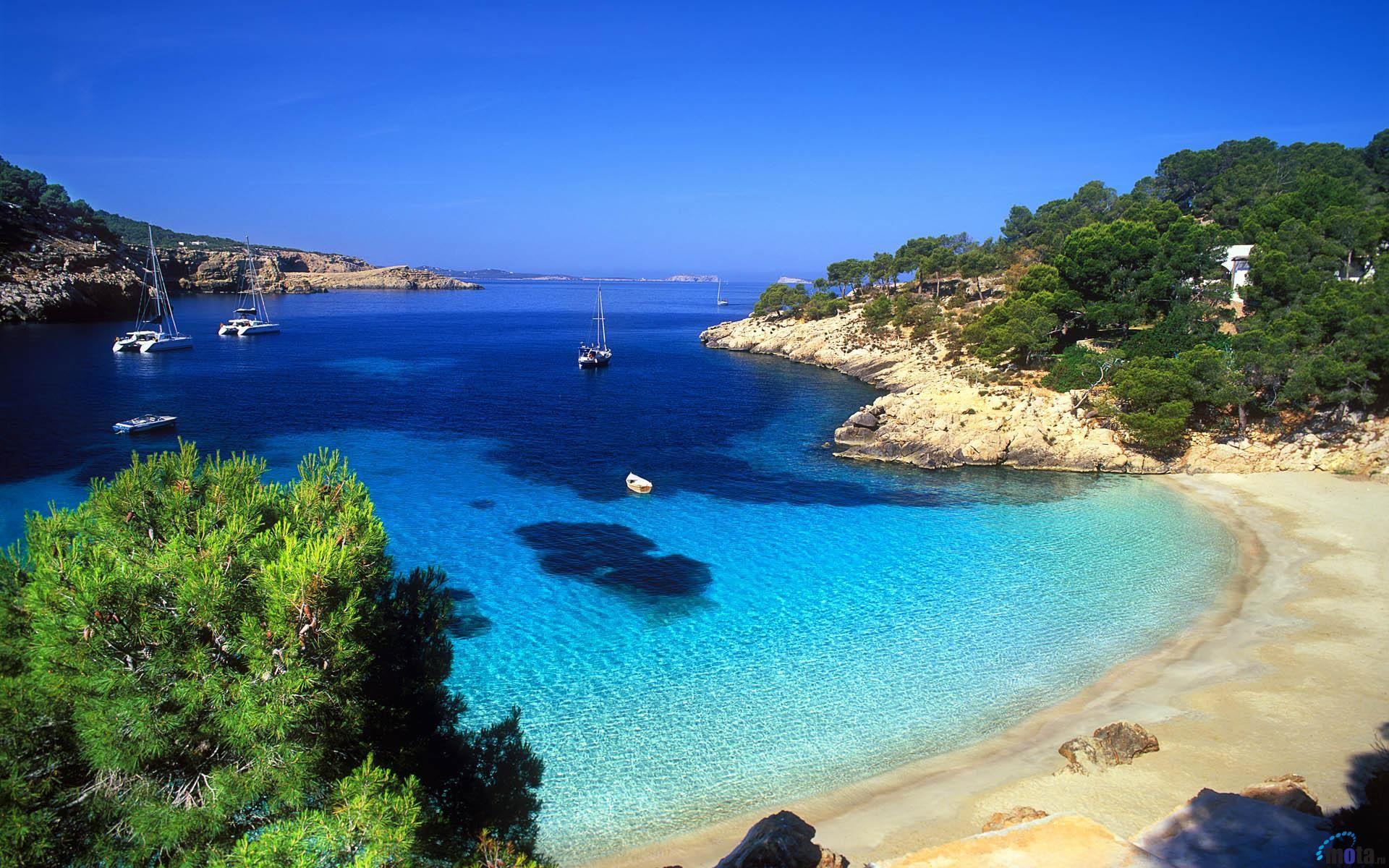 Coldwell Banker abre una nueva agencia inmobiliaria Global Luxury en Ibiza