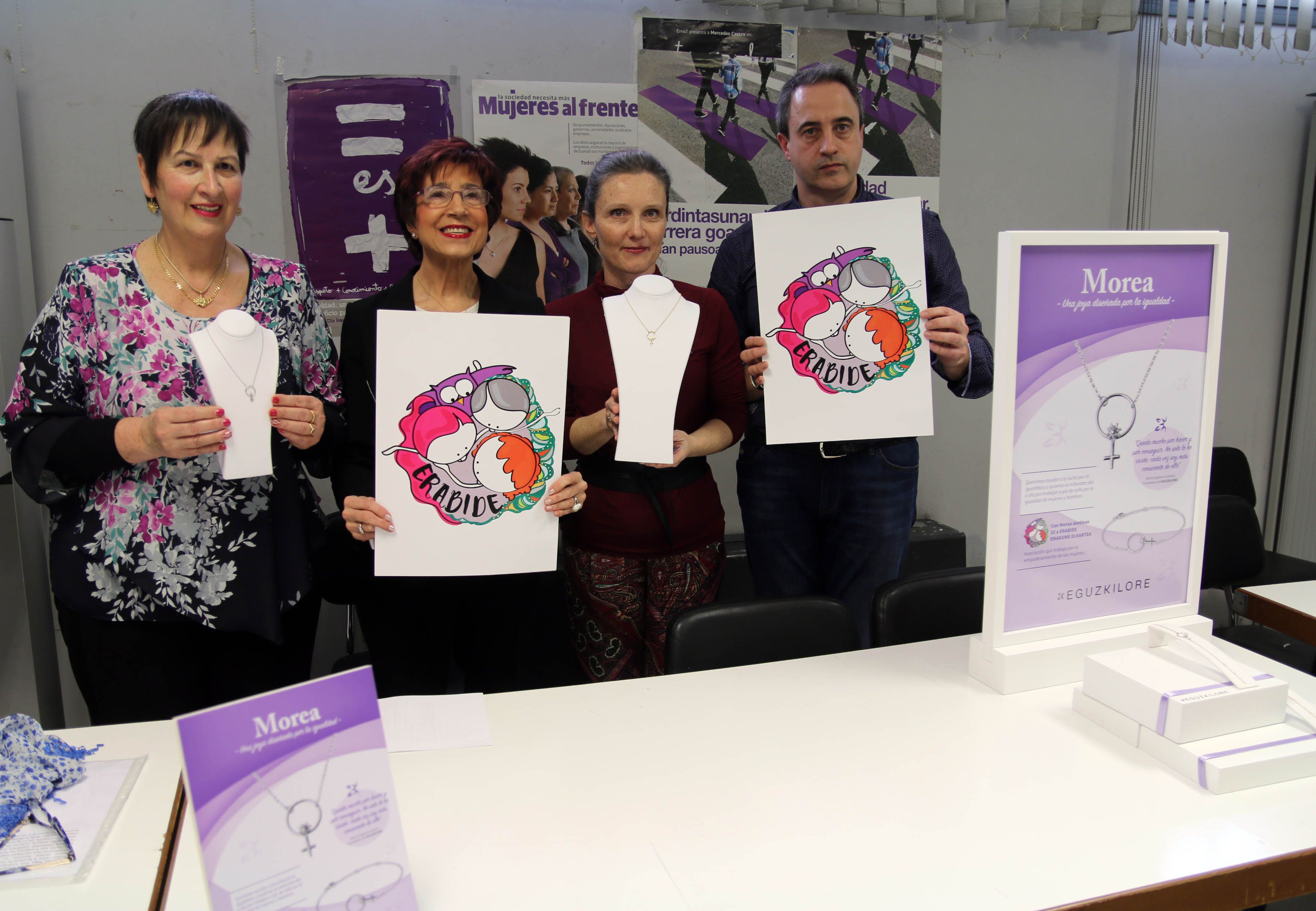"""Eguzkilore crea """"Morea"""", una iniciativa y una joya solidaria por la igualdad de mujeres y hombres"""
