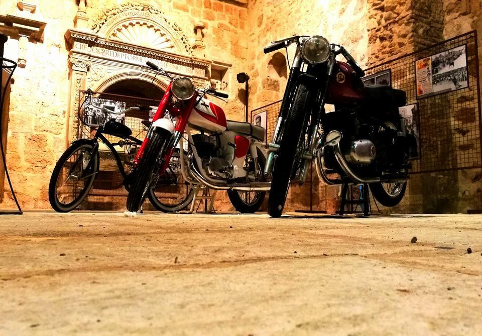 III Quedada Motera Sierra de <h3 class='enlacePalabraNoticia' onclick='opcionBuscarActualidad('Ayllón','')' >Ayllón</h3>: Todo un mundo alrededor de la moto