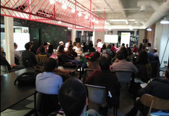Fotografia Meetup DevAcademy de Visual Story - Telefonica Flagship