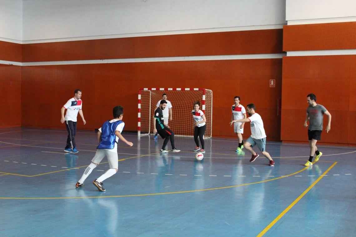 Fotografia Momento de uno de los partidos del Torneo Solidario de