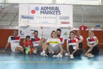 Equipo de fútbol solidario de Admiral Markets en España