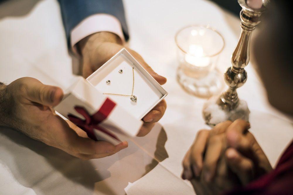 regalar diamantes estas navidades sin compromiso explican gemodiam