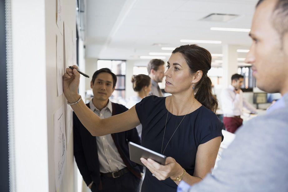Atos impulsa el protagonismo femenino en el mercado FinTech