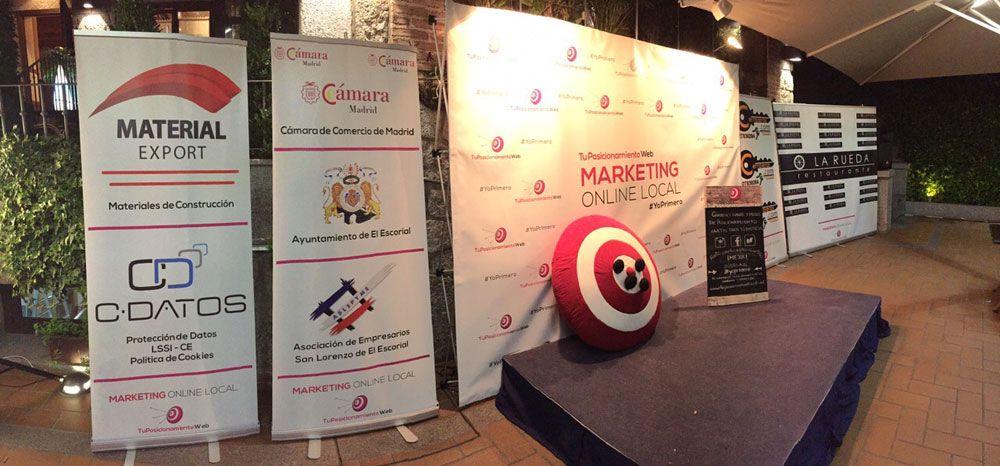 Fotografia Escenario del Evento de Marketing Online Local #YoPrimero