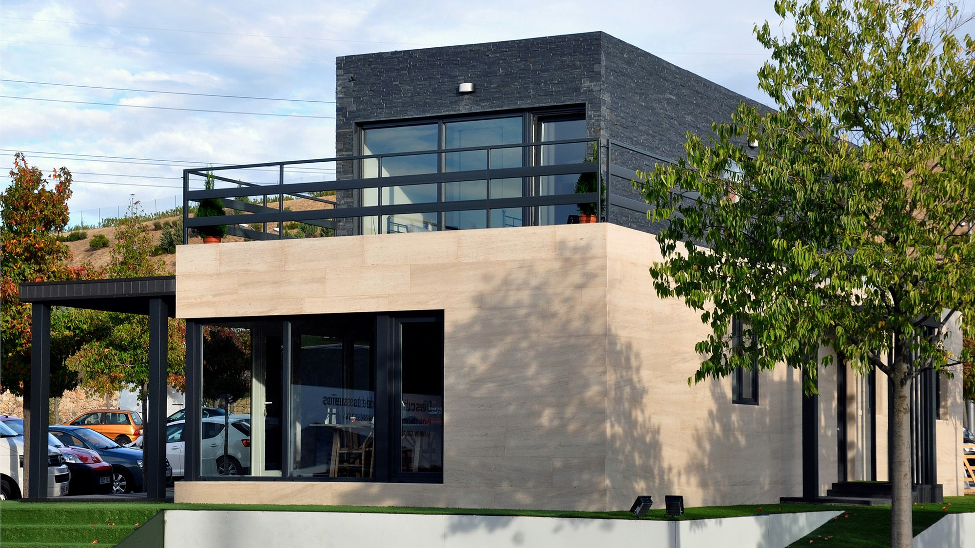 Casas cube inaugura una nueva sede en el c c xanad - Casa en arroyomolinos ...