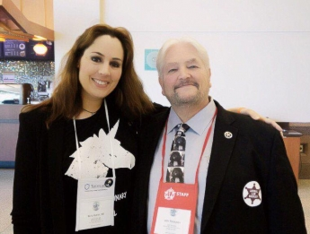 Foto de La Dra Núria Querol y el Director Ejecutivo de la