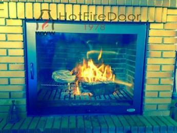Foto de Puertas para chimenea a medida Hot Fire Door