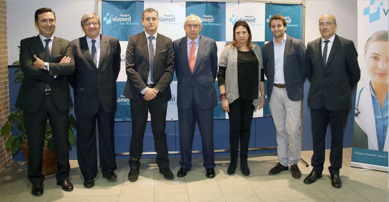 Foto de Responsables de Grupo Viamed Salud y DKV durante la