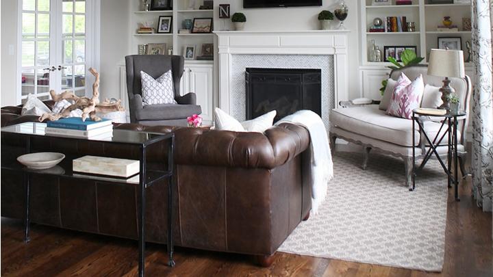 Un sof chester y cuatro estilos de sal n notas de prensa for Sofas tipo ingles