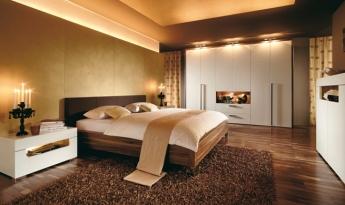 Foto de dormitorio en marrones