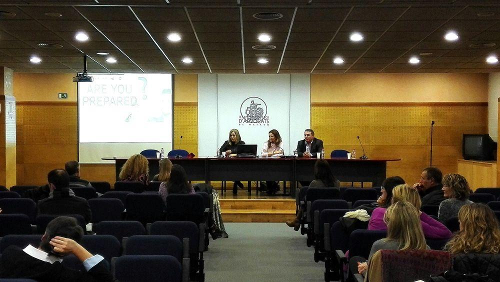 Foto de Datax imparte una conferencia sobre el Nuevo Reglamento