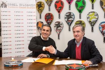 Sergio Scariolo y Jorge Gómez en el momento de la firma