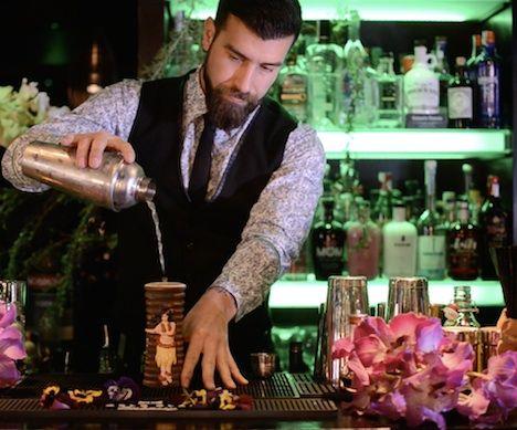 Foto de Jorge Villa, bartender de Klimt