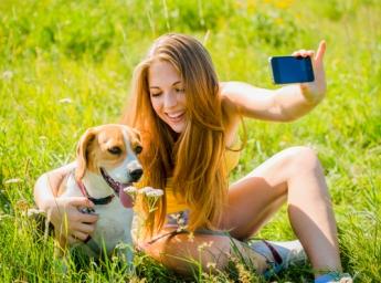 Adolescente y móvil complicada fórmula