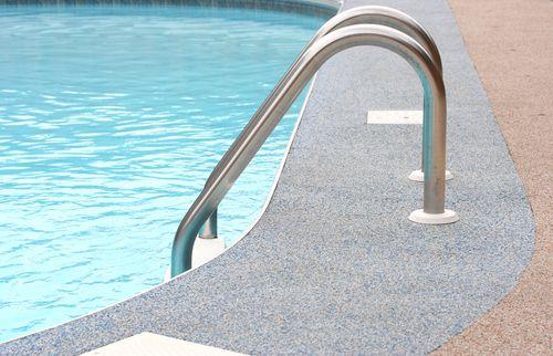 La flotaci n en las piscinas de sal refuerza el sistema for Piscinas de sal