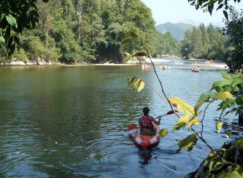 La magia del Descenso del Sella en canoa