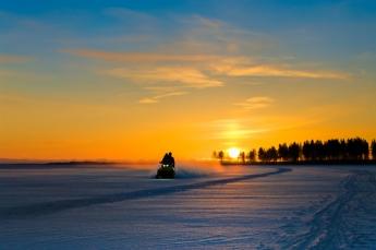Foto de Motos de nieve como regalo para el Día del Padre