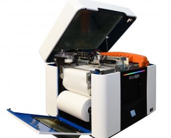 Foto de Impresora 3D en color con papel