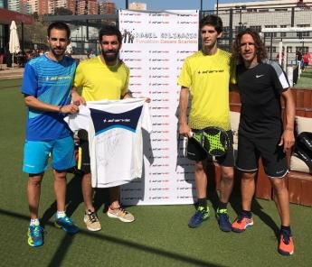 Arda Turan y Carles Puyol en el proyecto 'Padel Solidario'