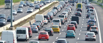 La DGT prevé una cifra récord de 15 millones de desplazamientos para el puente de Semana Santa.