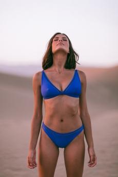 Foto de Halter bikini Bella en color Echo Blue