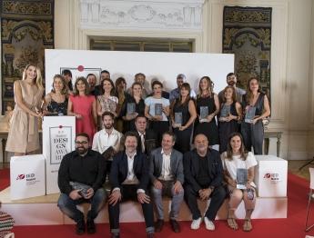 Foto de grupo de los premiados en la gala IEDesignAwards 2017.